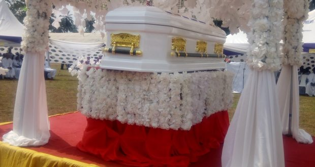 Ukpap Itak Stands Still As Late Elder Sarah Udousoroh laid To Rest.