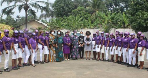 A'IBOM FEMALE YOUTHS MOURN WITH LATE NKANGA'S FAMILY