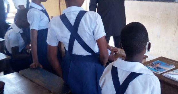 A'Ibom Govt warn teachers against negligence of duties