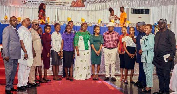 Eke Osung Foundation Splashes Scholarship on Oro Female Undergraduates
